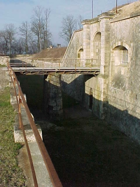 tourisme-bruyeres-fort-redoute.jpg