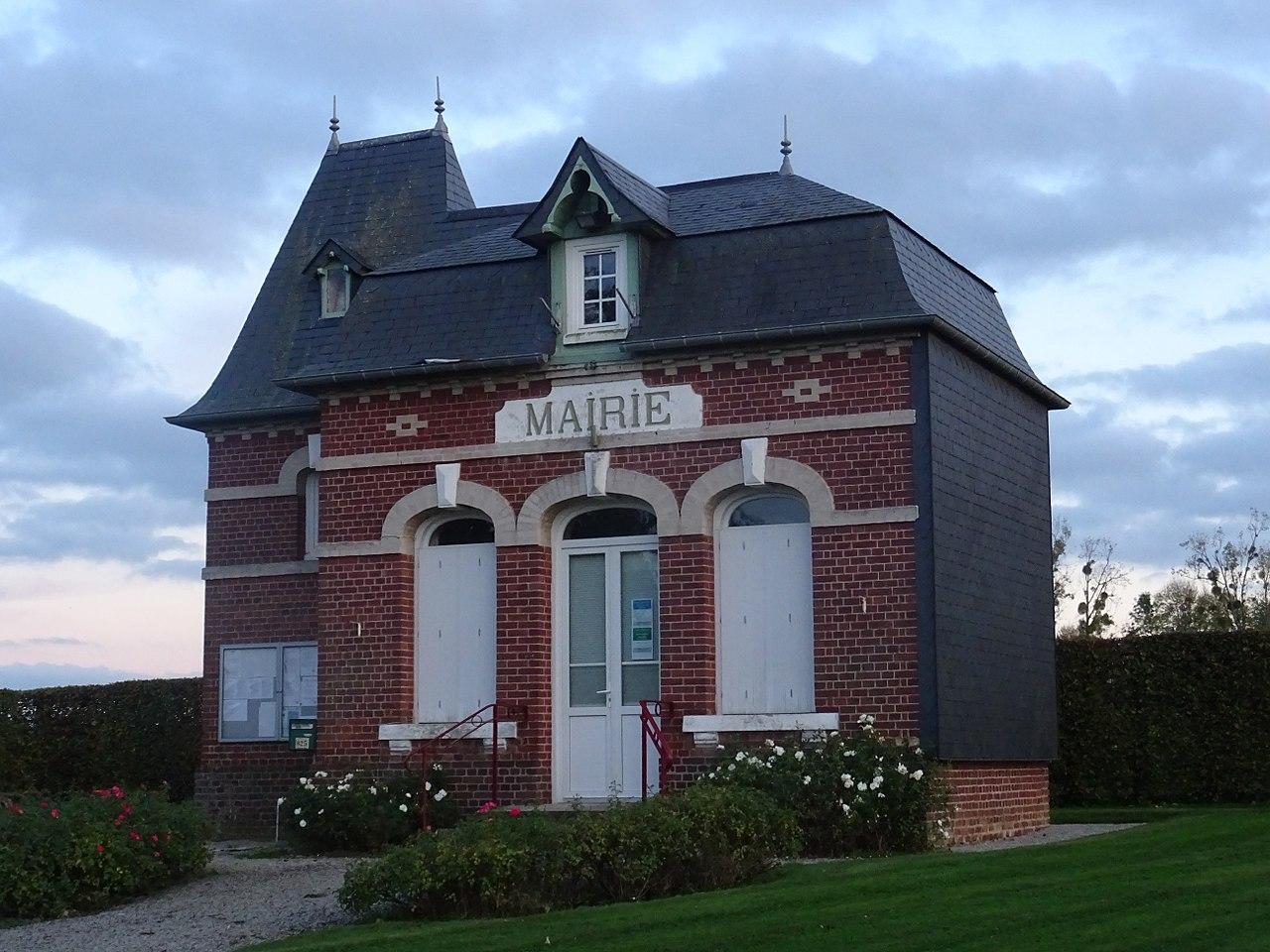 1280px-Theillement_Mairie.jpg