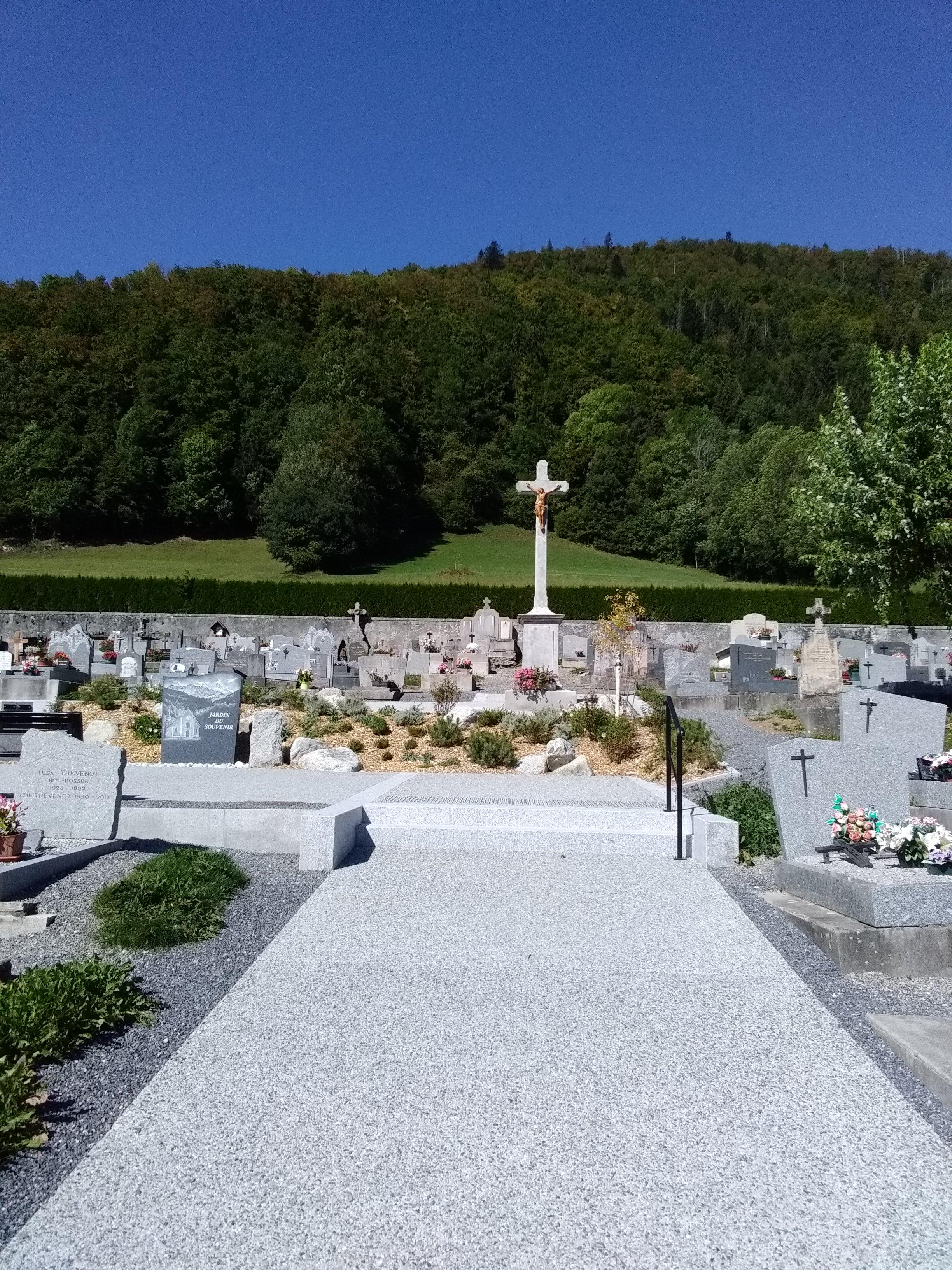 cimetière croix.jpg