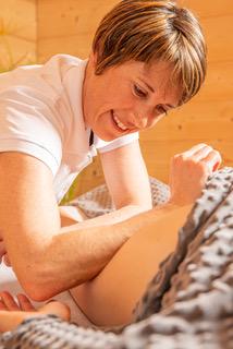 Me-lanie Sue-do Massage-212.png