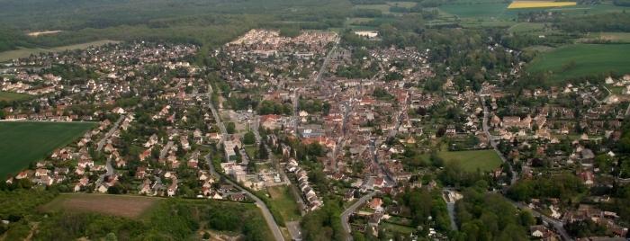 Saint-Arnoult vue du ciel.jpg