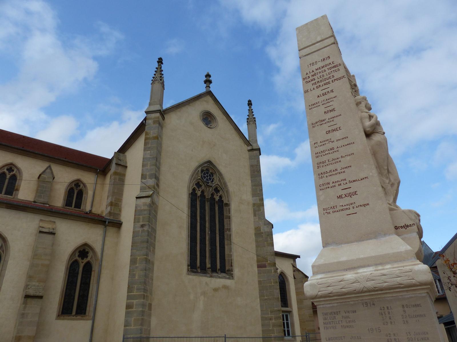 monument aux mort.JPG