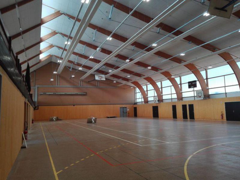 Gymnase de Quingey 1.jpg