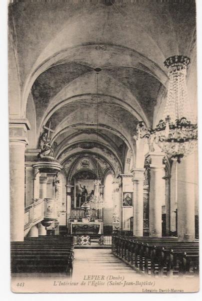 Eglise intérieur nb.jpg