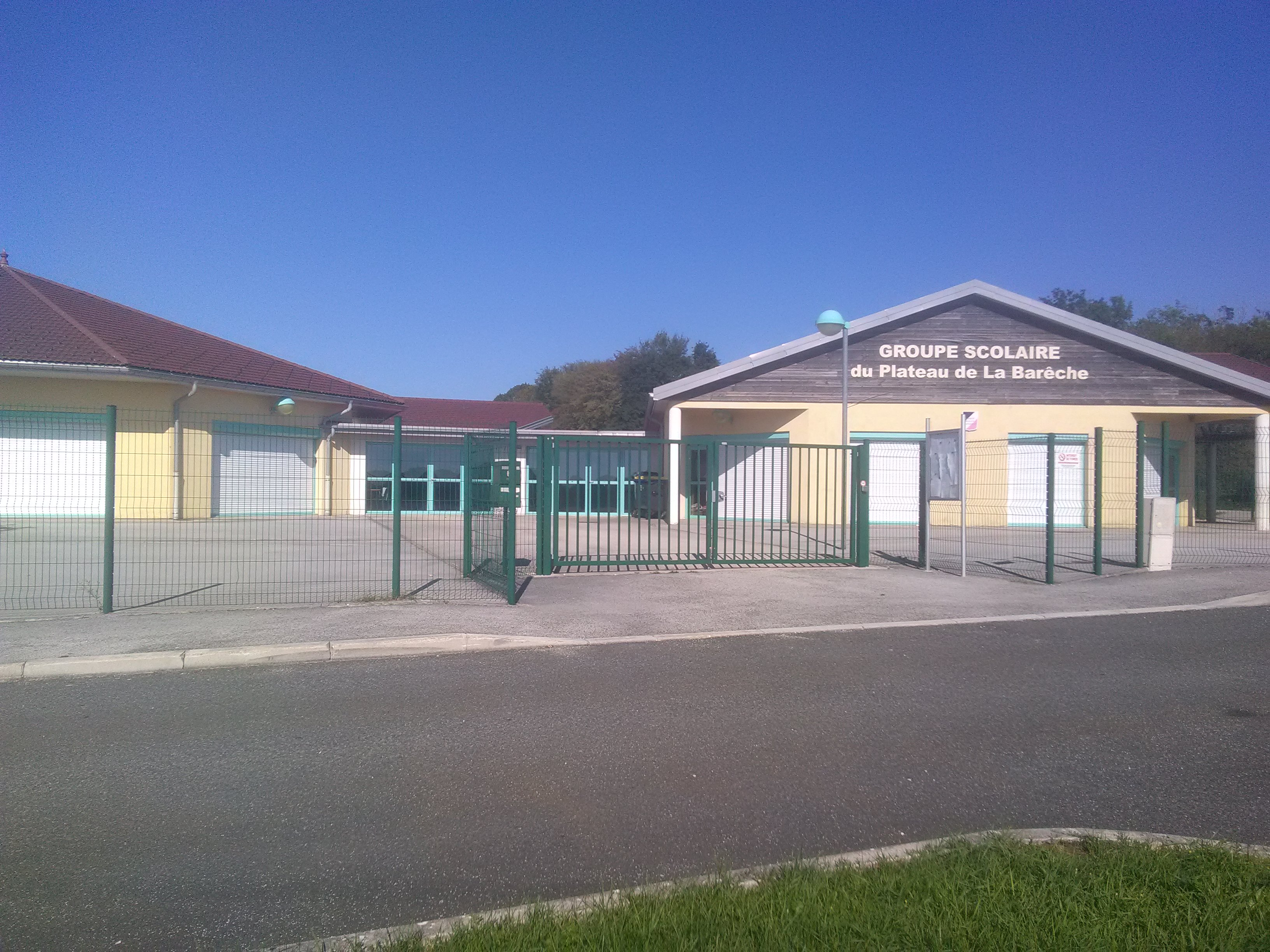 Groupe scolaire 2.jpg