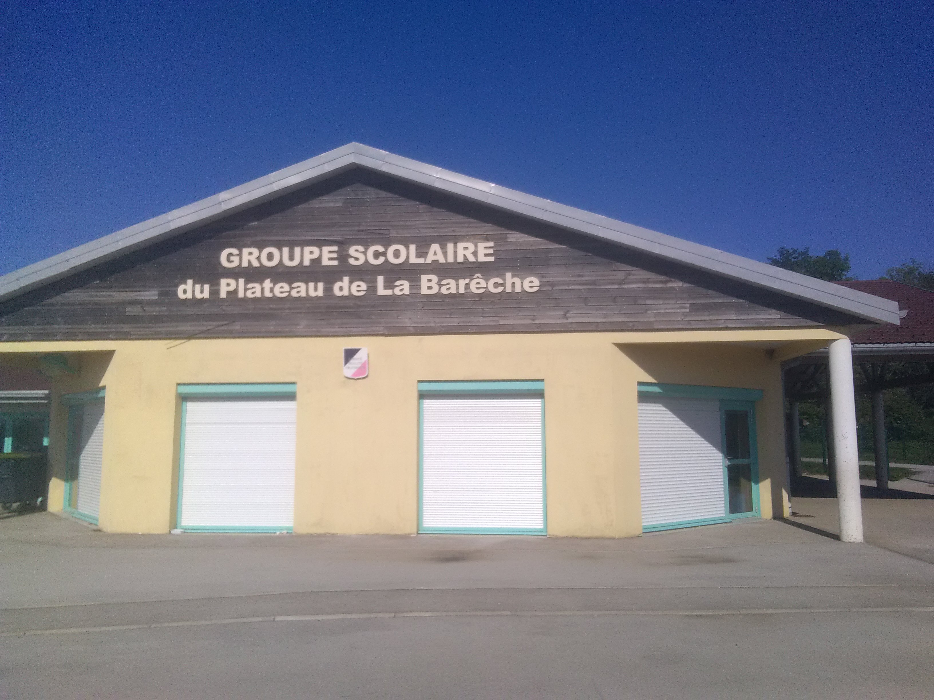 Groupe scolaire 1.jpg