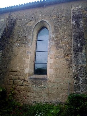 Eglisevitraux003.jpg