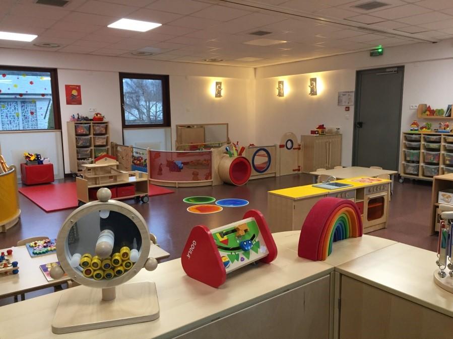 photo salle petite enfance.jpg