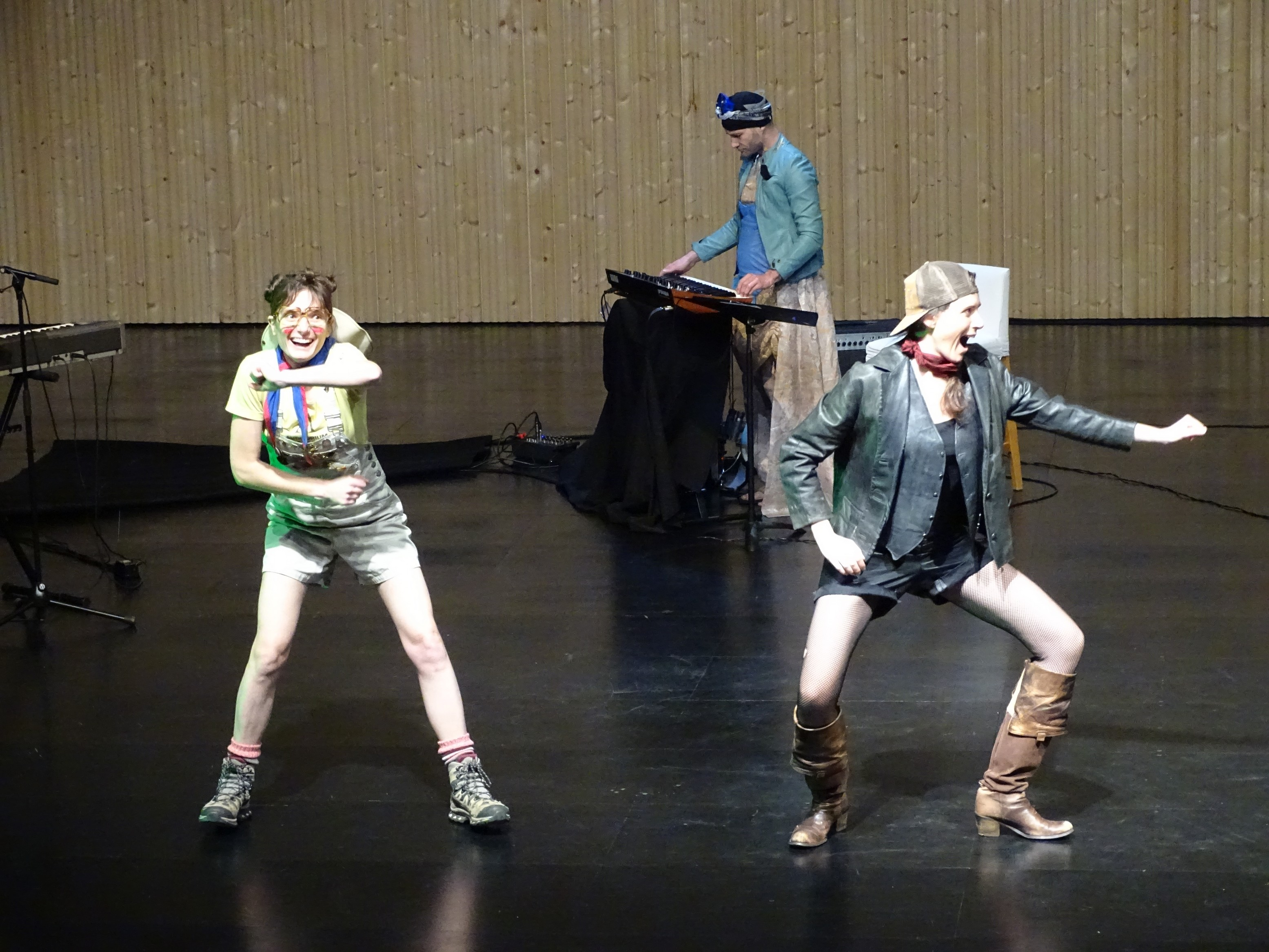 cie theatre debout _3_.jpg