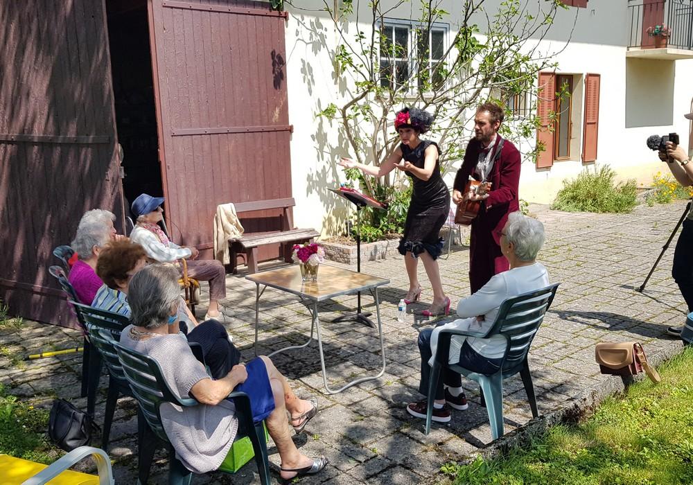 Chansons sur un plateau-à domicile © SIPA - Copie.jpg