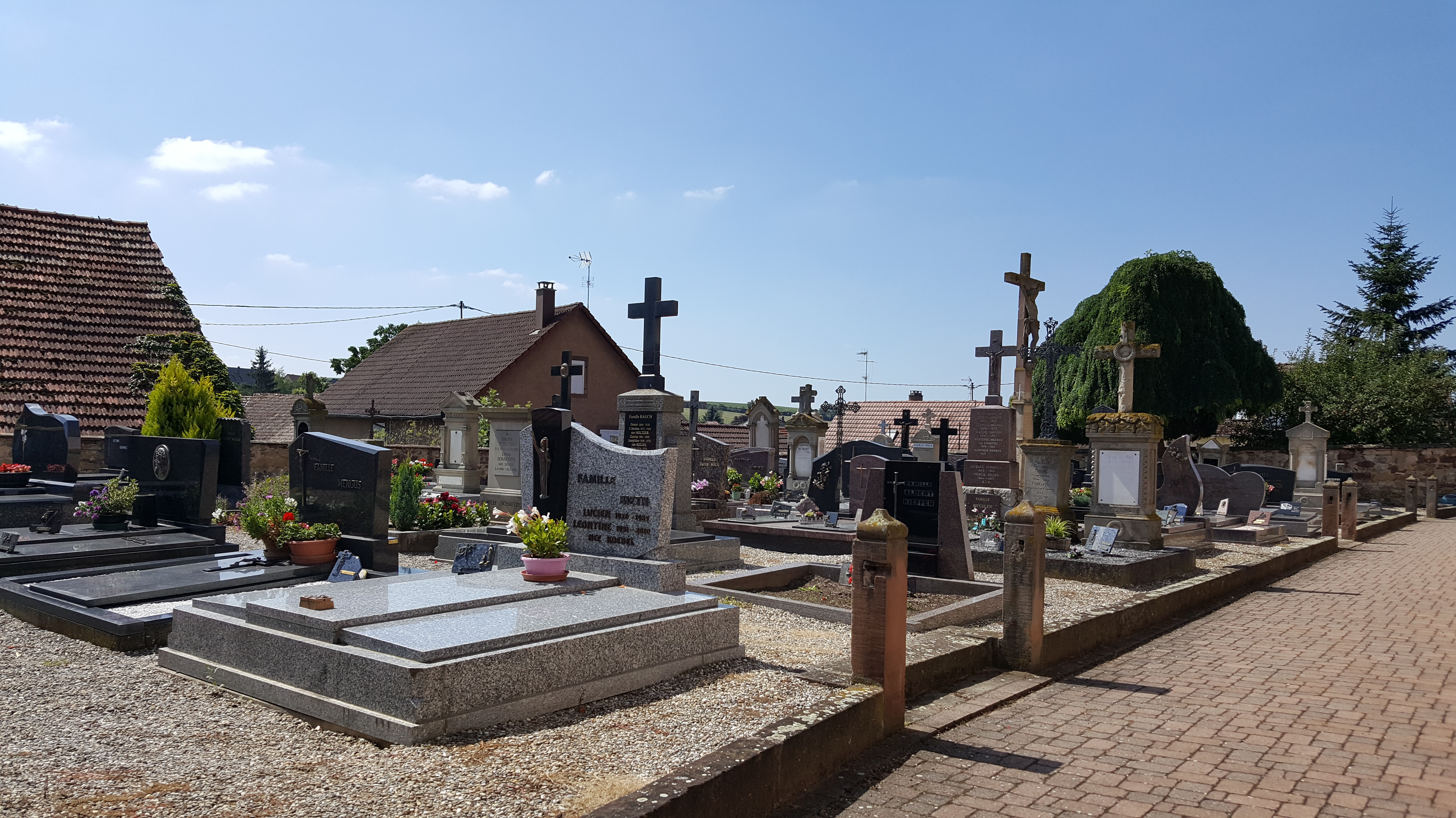 photo cimetière côté sud.jpg