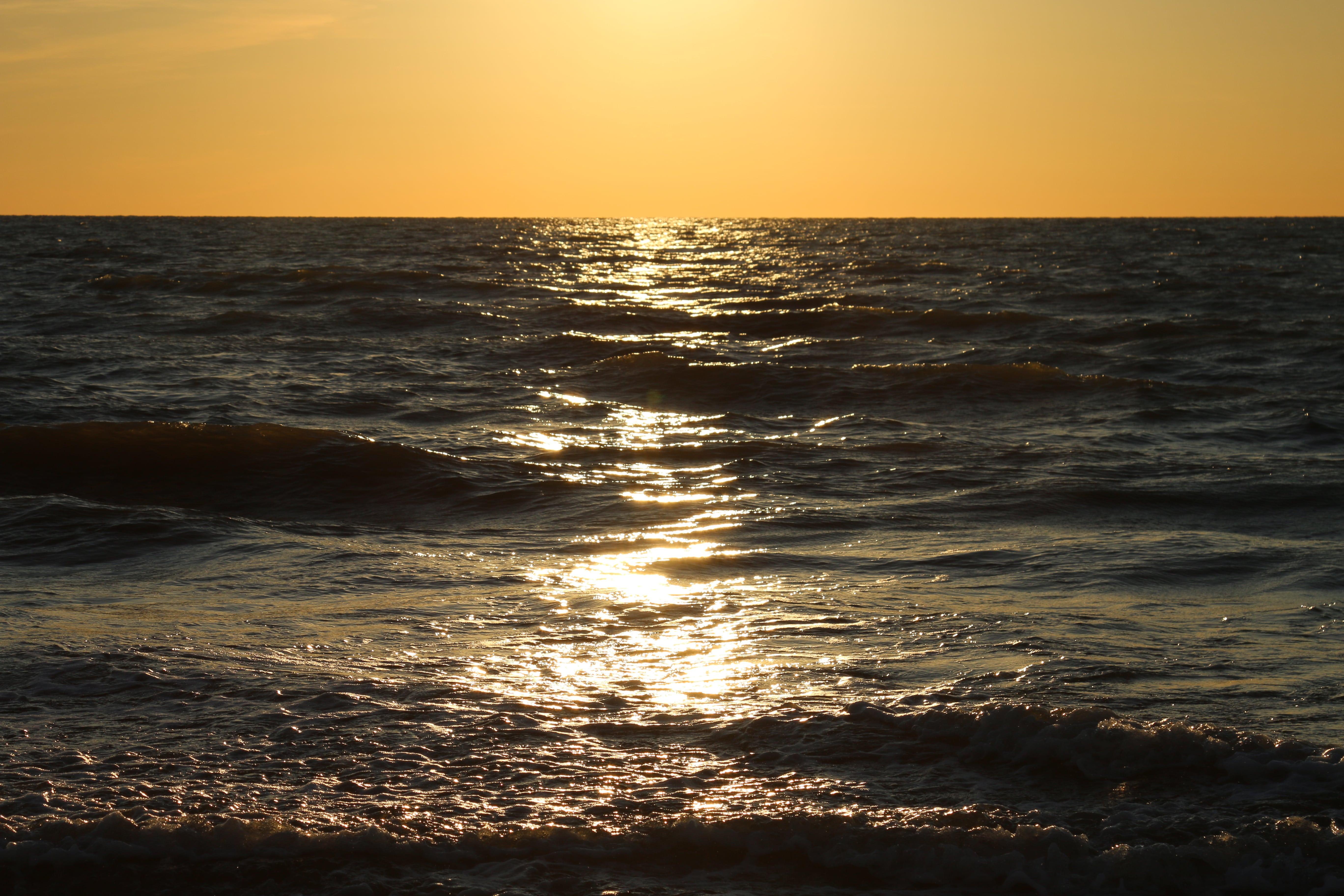 mer ciel jaune-min.JPG