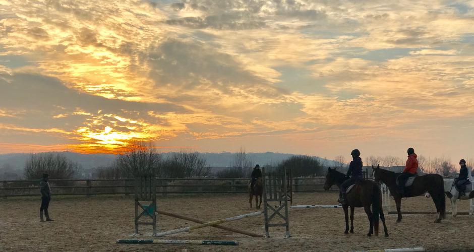 Blonville équitation-min.jpg