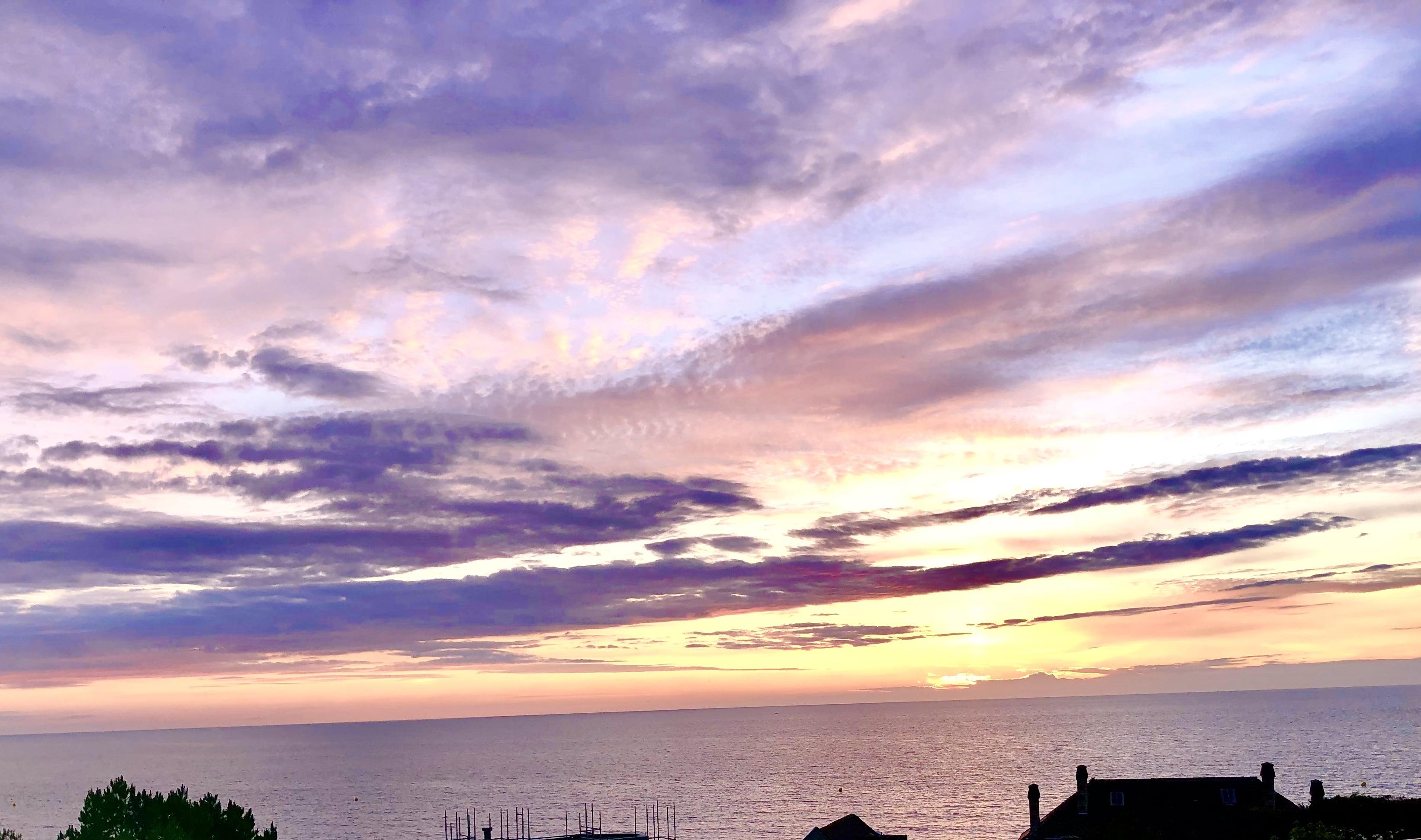 Ciel violet-min.jpg