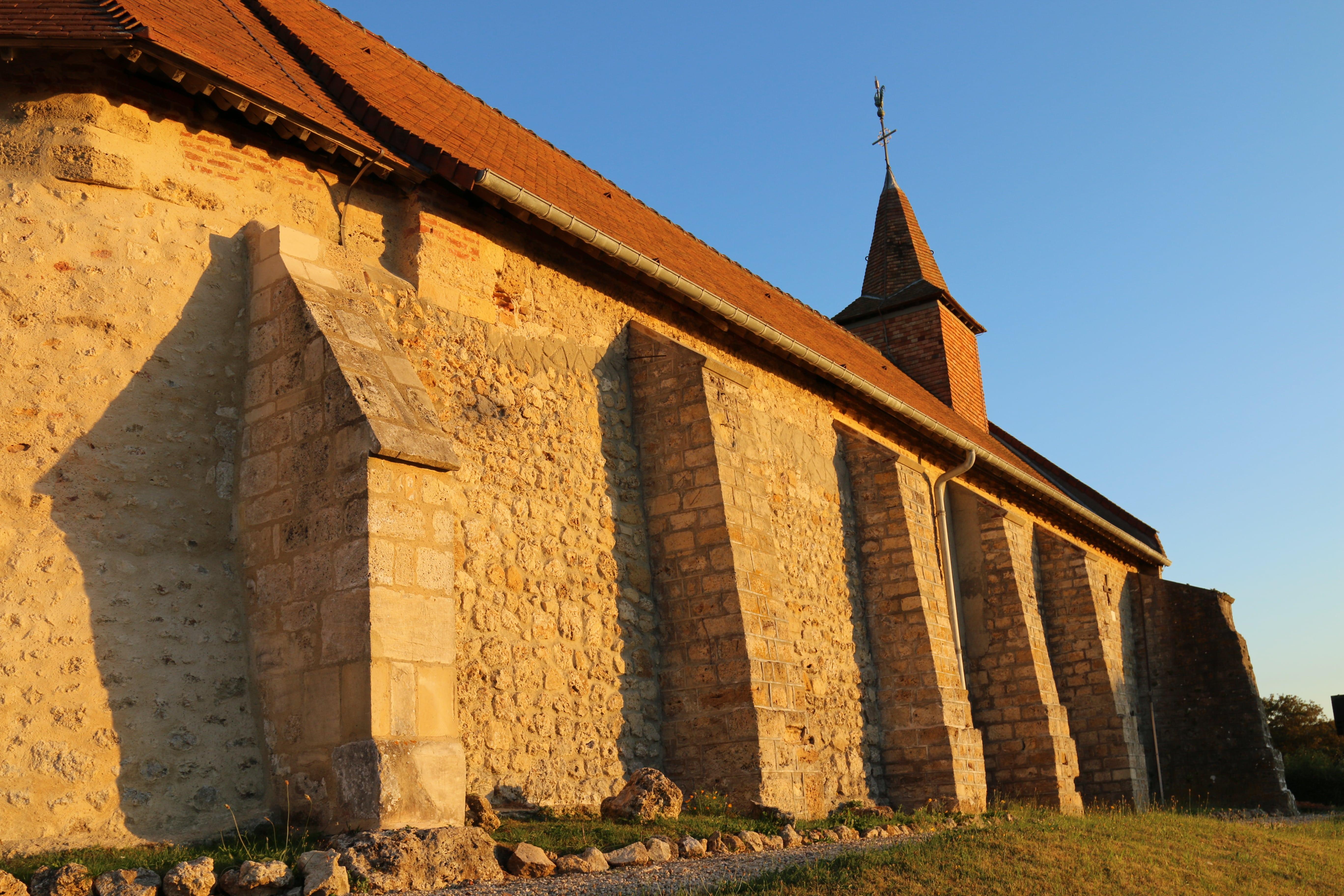 Église nord-min.JPG