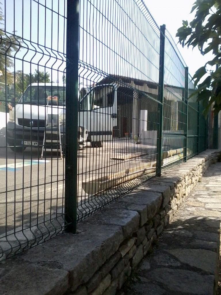 Ecole façade 5.jpg