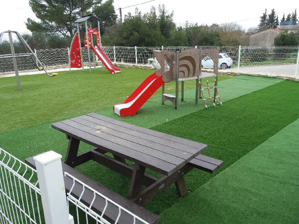 Jardin d_enfants Les Roches.jpg