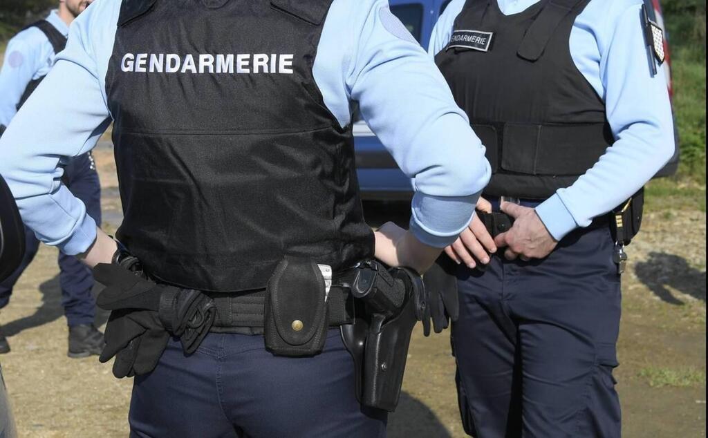 Image patrouille pédestre gendarmerie.jpg