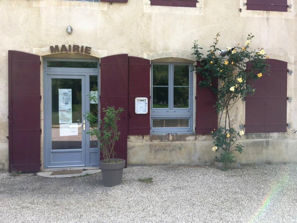 Mairie Entrée Parking Parc des vignes.jpg