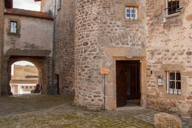 Musee-Chateauponsac-porte-peyrine_large.jpg