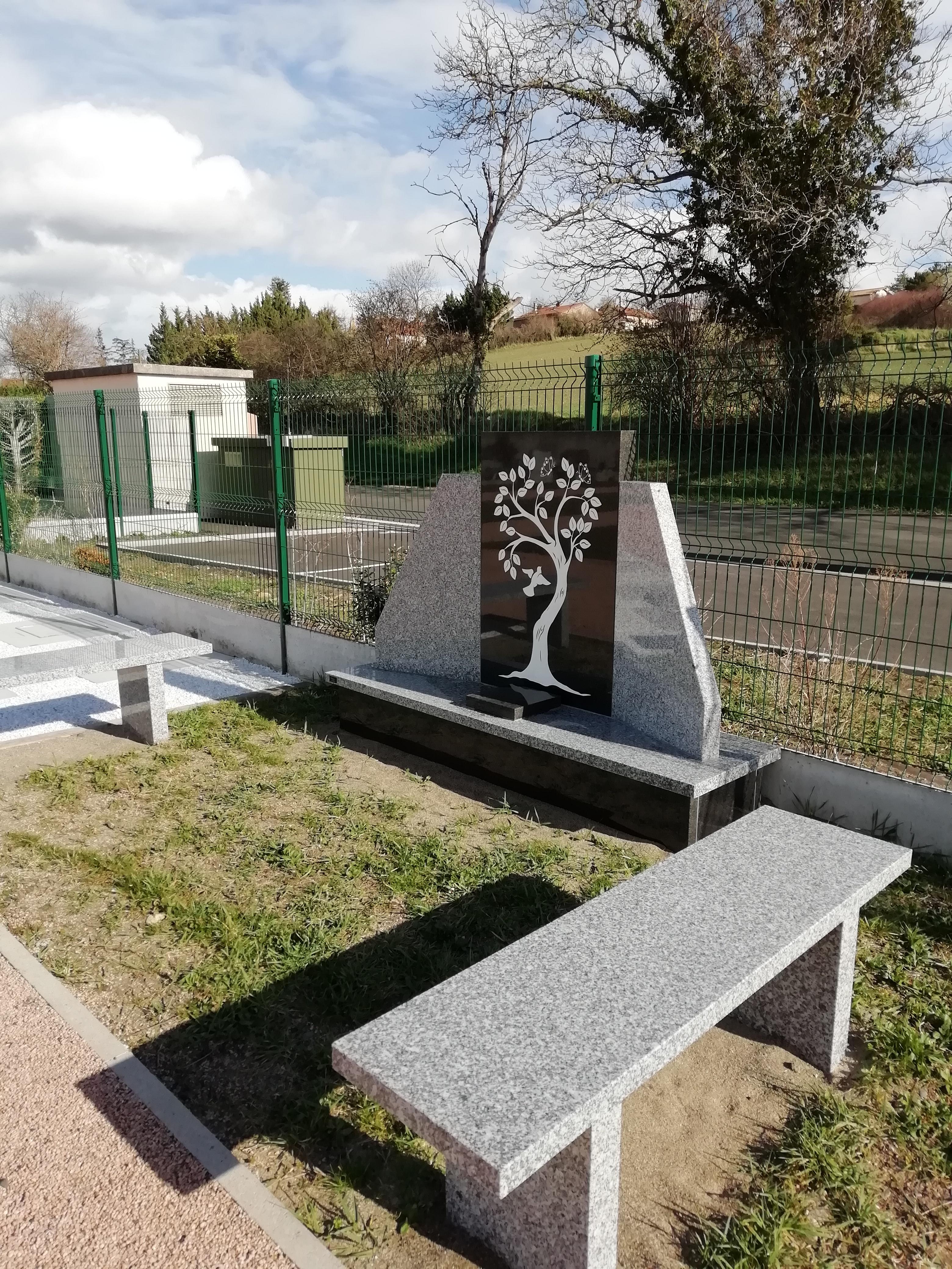 cimetière monument du souvenir caves-urnes