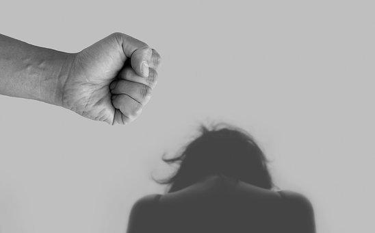 violence-against-women-4209778__340.jpg