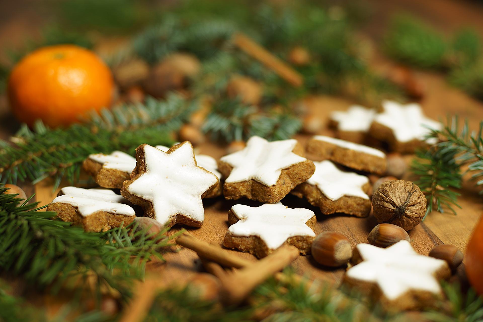 cinnamon-stars-2998962_1920.jpg