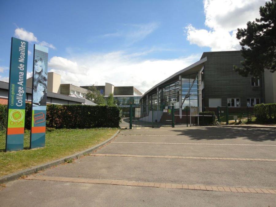 College Anna de Noaillescop.JPG