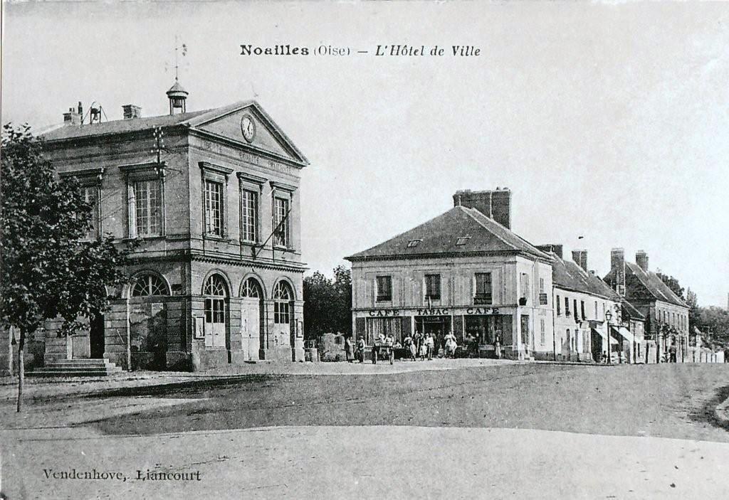 Hotel de Ville 1.jpg
