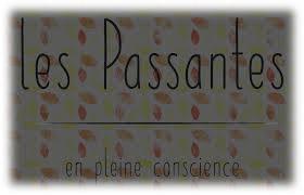 LES PASSANTES.jpg