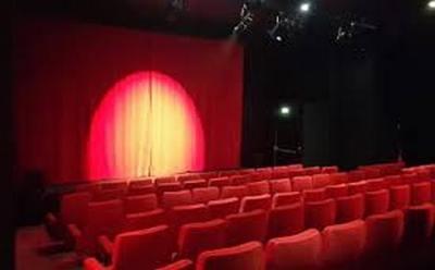 image Le Théâtre à Moustaches.jpg