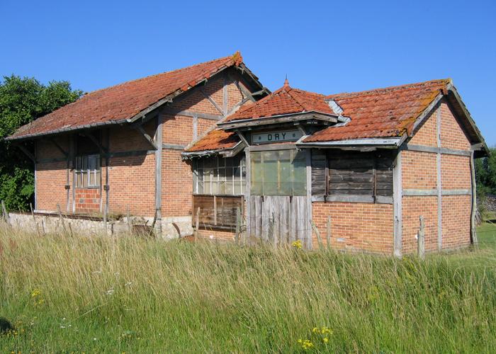 ancienne gare de Dry.jpg