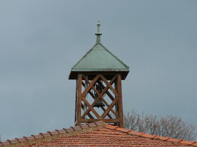 cloches à St Julien Chateau Senevier2.jpg