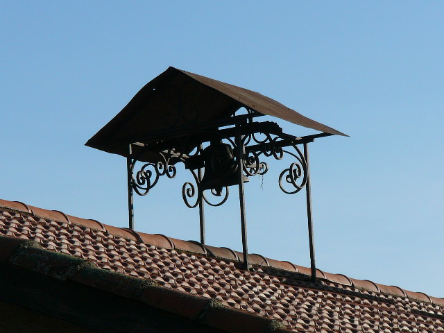cloches à St Julien - Ferme LEGRAIN.jpg