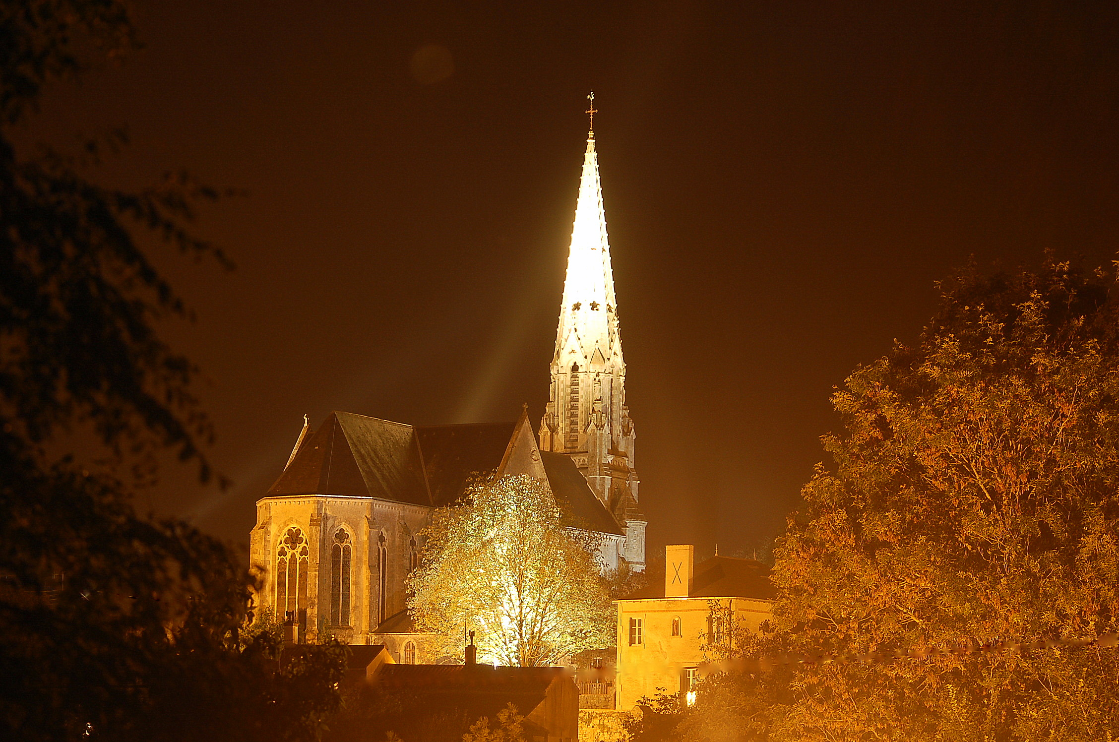 église nuit 1.JPG