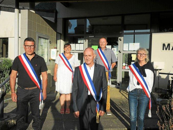 arnaud-lelievre-premier-adjoint-sandrina-mendes-marcel_5177501_676x507p.jpg