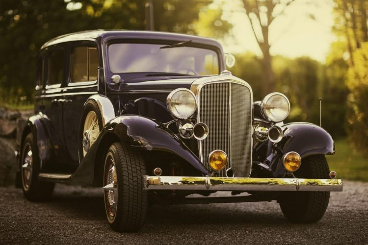 voiture ancienne.jpg