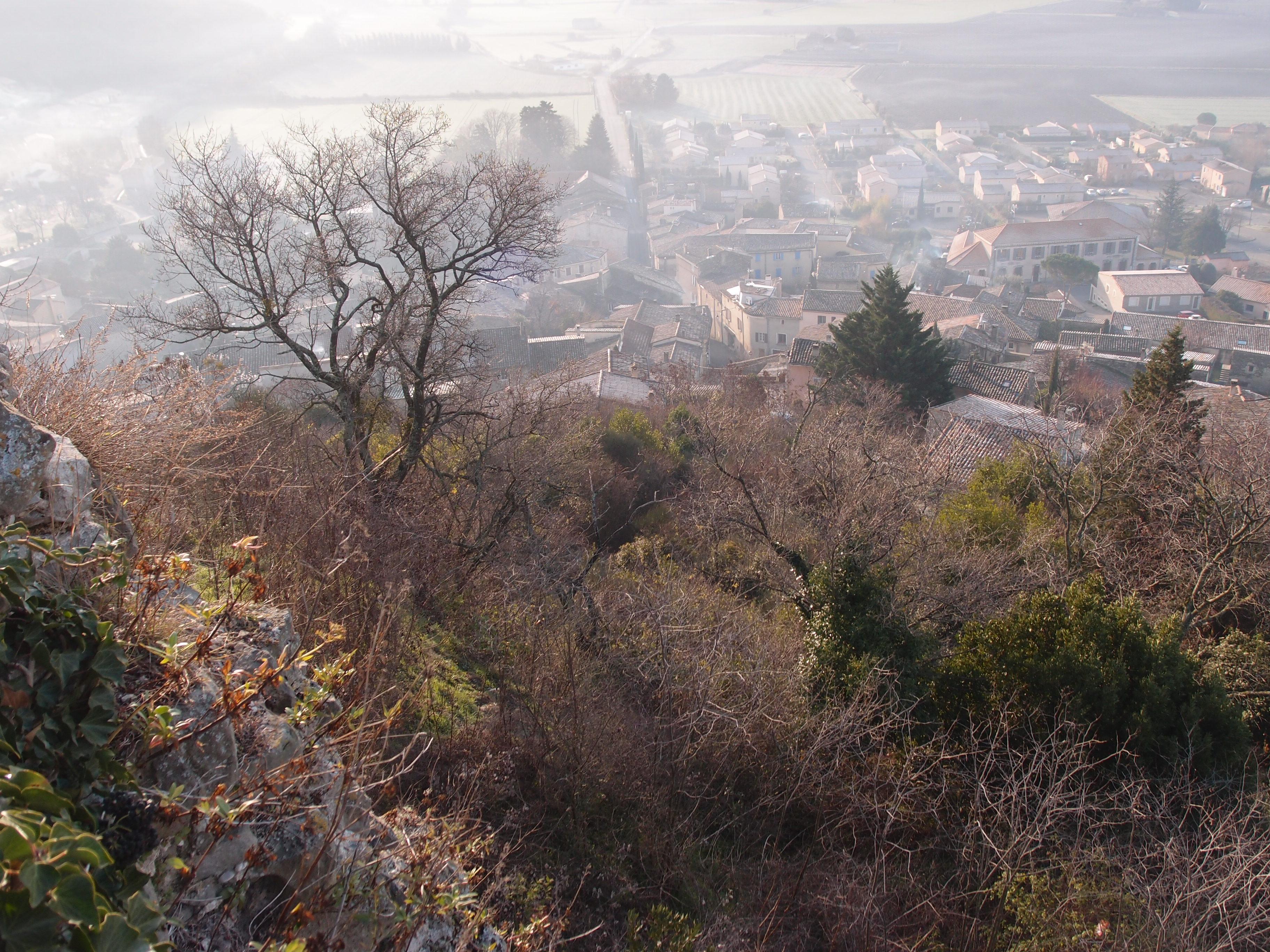 Chastelas - Vue village