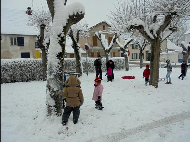 Place Eglise sous la neige