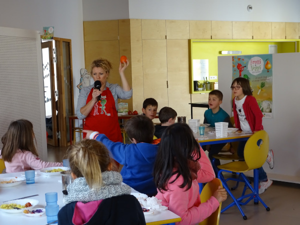 restaurant-scolaire-brains.JPG