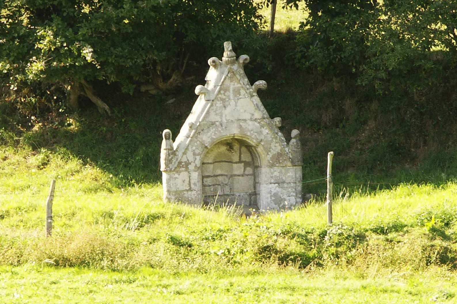 Fontaine du maneguen.jpg