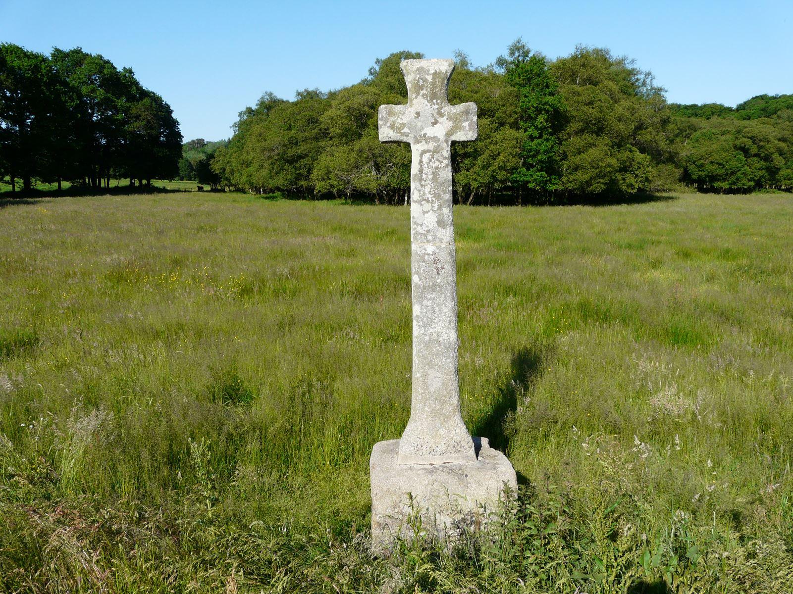 Croix de Pont Guénin 1.jpg