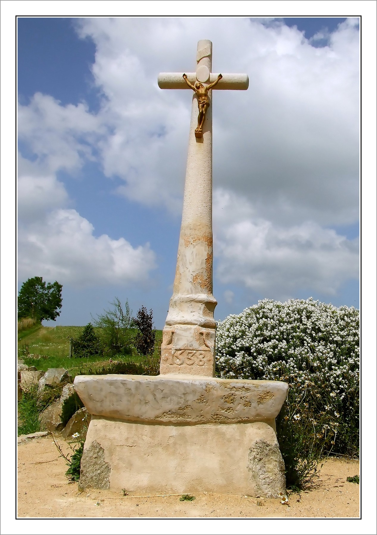 Croix des Hommes Morts-nano-BorderMaker.jpg