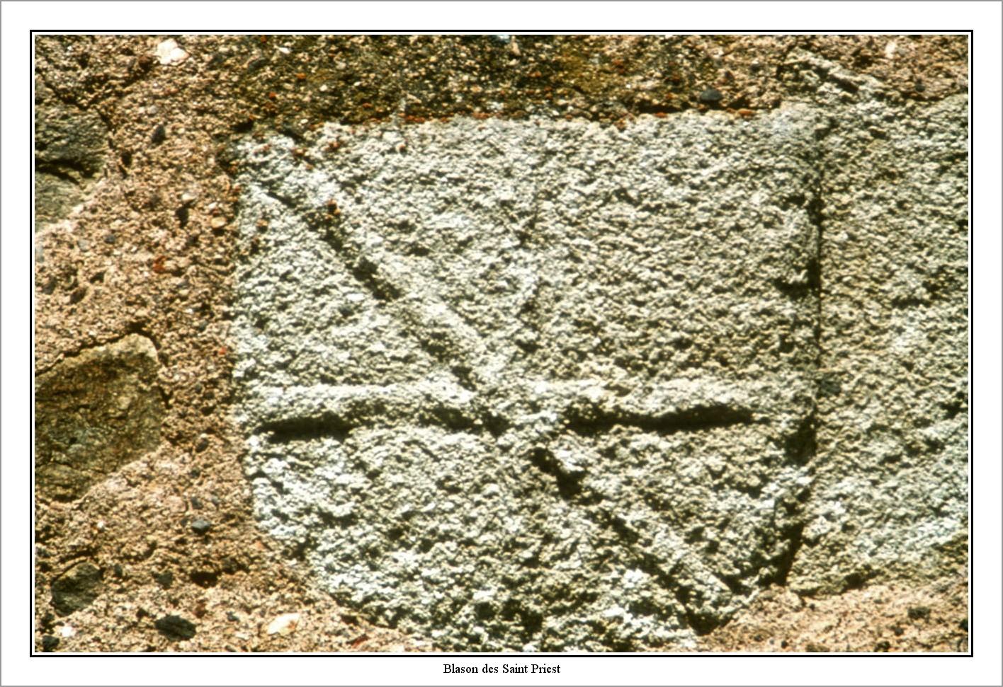Blason des Saint Priest sur une ancienne porte du château-nano-BorderMaker.jpg