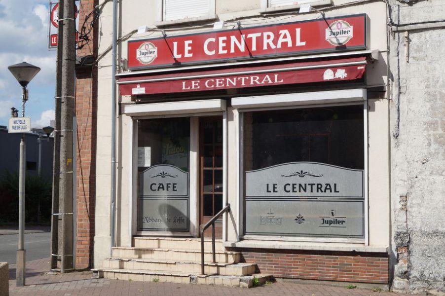 Café Le Central.JPG