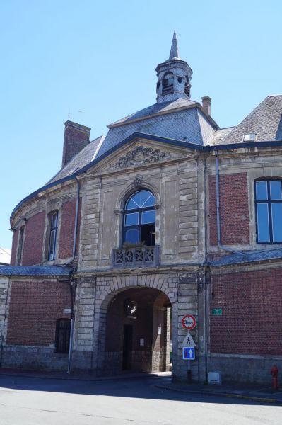 Hôtel de Ville arrière.jpg
