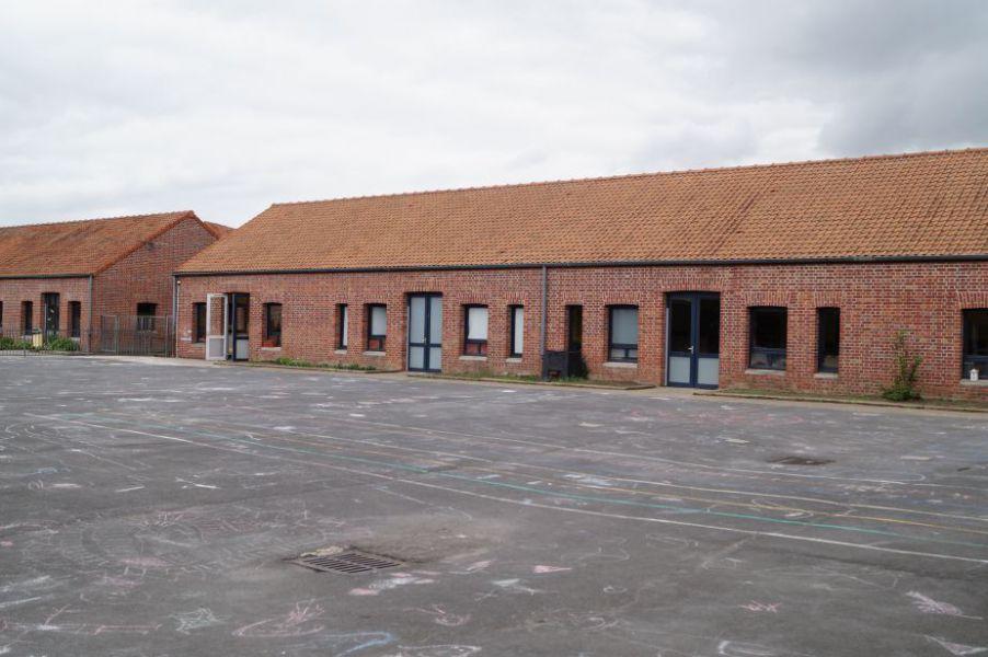 Cour école F. Dolto.JPG