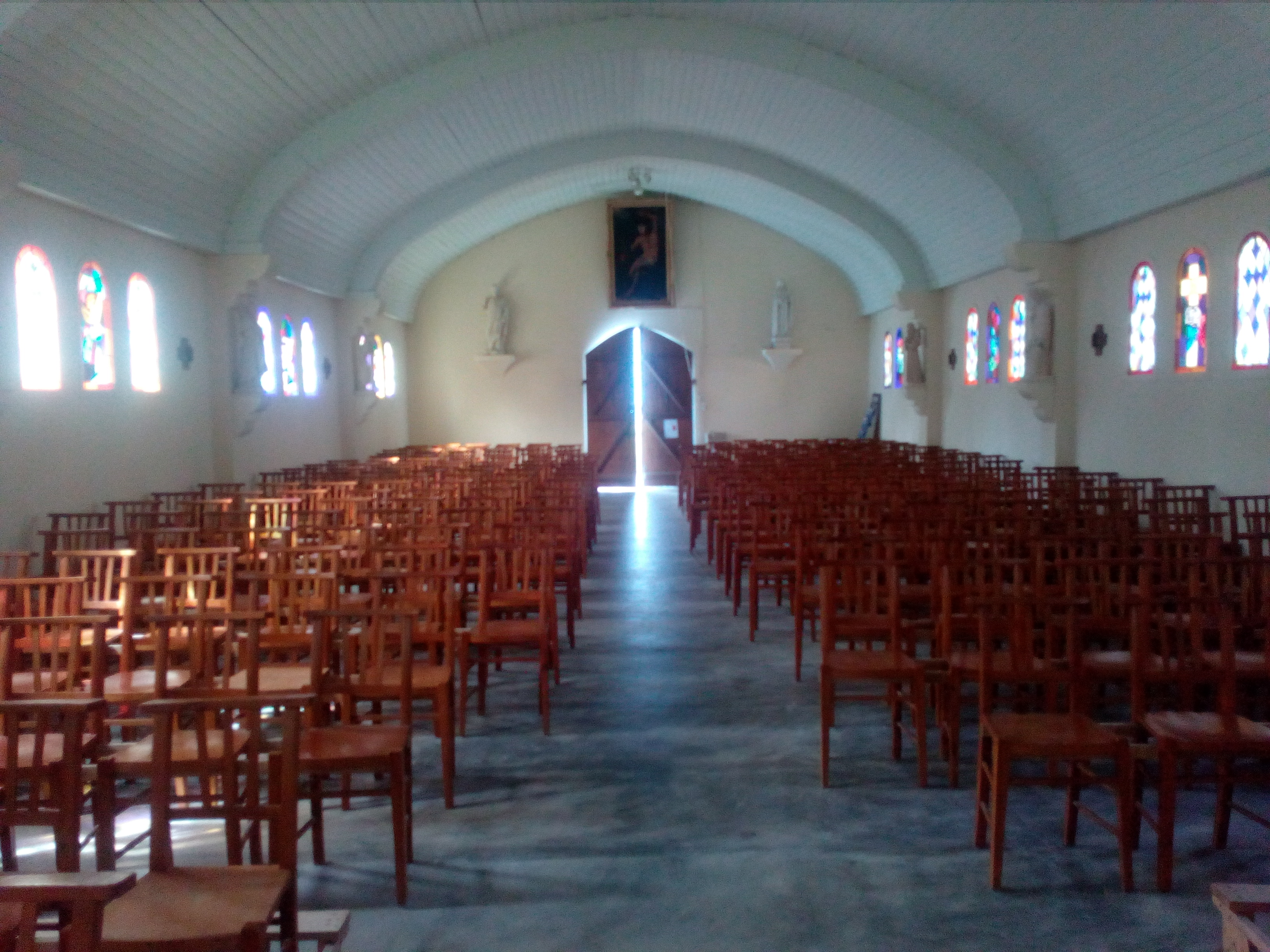 chapelle sables d_or intérieur 2.jpg