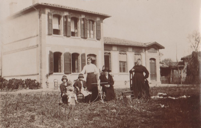Village - Première école.jpg