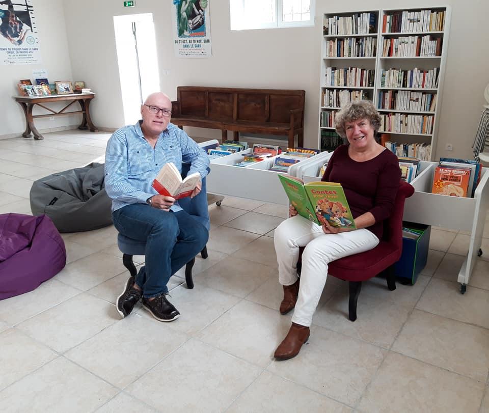 Anne et Jean Luc bibliothèque.jpg